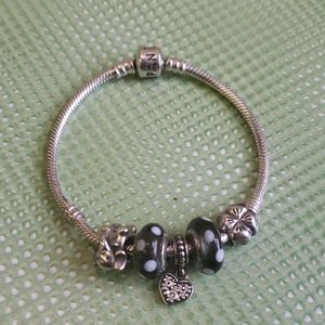 7 inch pandora bracelet with 5 authentic charms
